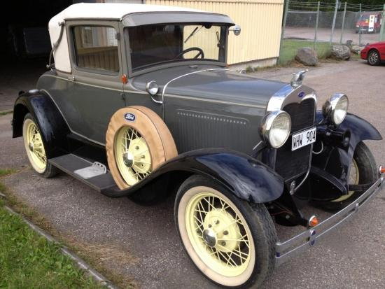 Ford Sport Coupe 1930 sixwheeler