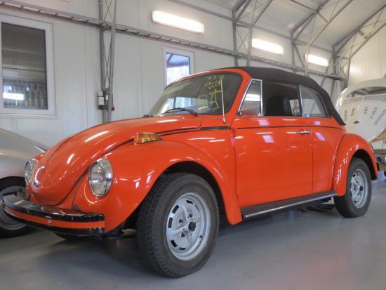 Volkswagen 1303 cab