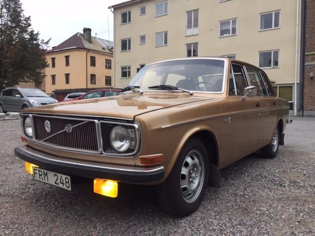 Volvo 144 GL (orörd originalbil med insprutningsmotor)