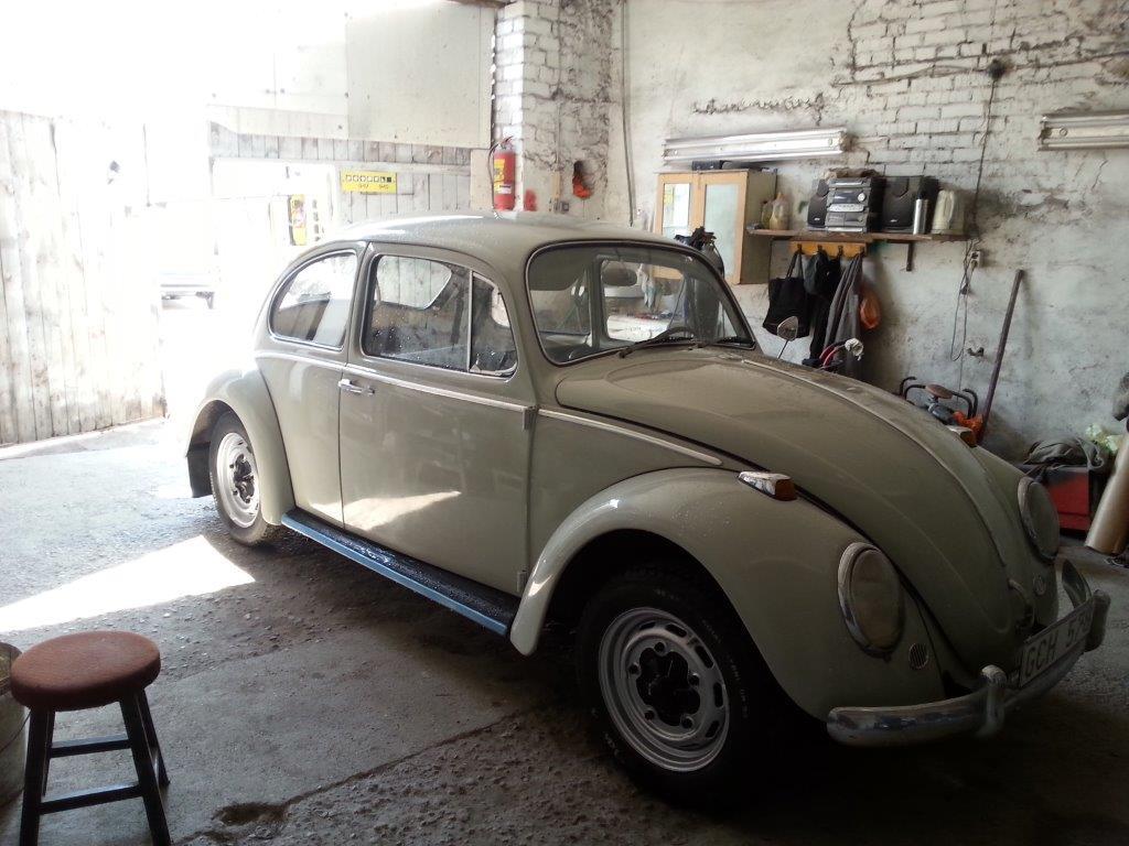 2st fina 60-tals VW på väg in