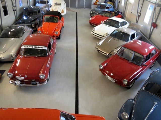 Vår bilhall i Kungälv fylld med salubilar