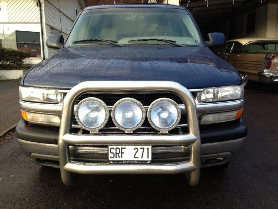 Chevrolet Suburban 4WD