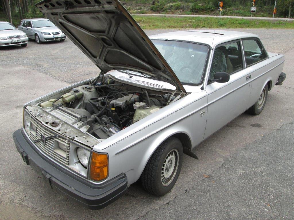 Två kul, klassiska Volvo just inkomna