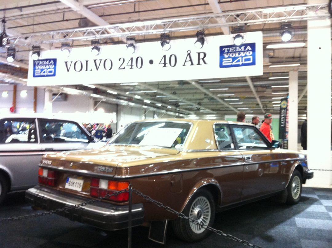 Nilus Volvo 262 Coupé -81 på bilutställningen på Elmia