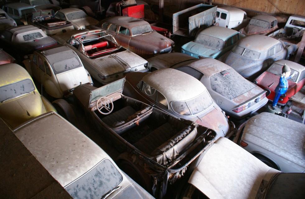 Samling med mer än 700 bilar auktioneras ut